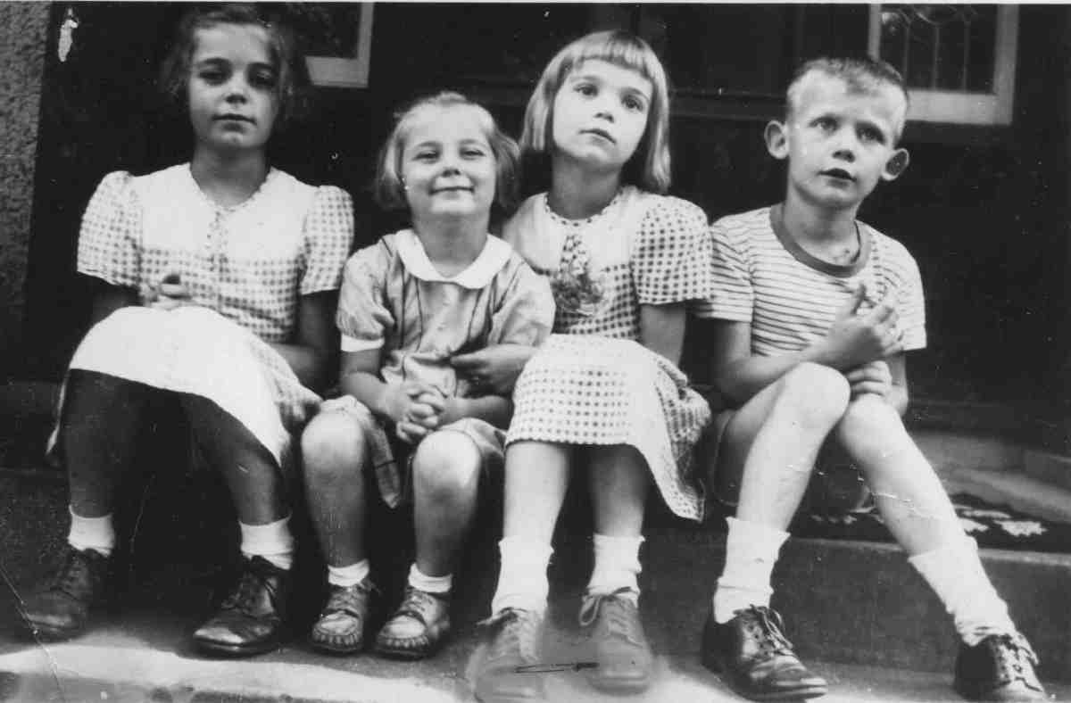 four West kids in the early 1940s: Nancy, Martha, Sally, and George