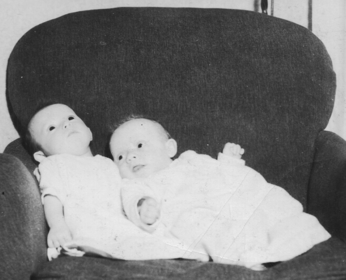 fraternal twins George and Sally in 1937