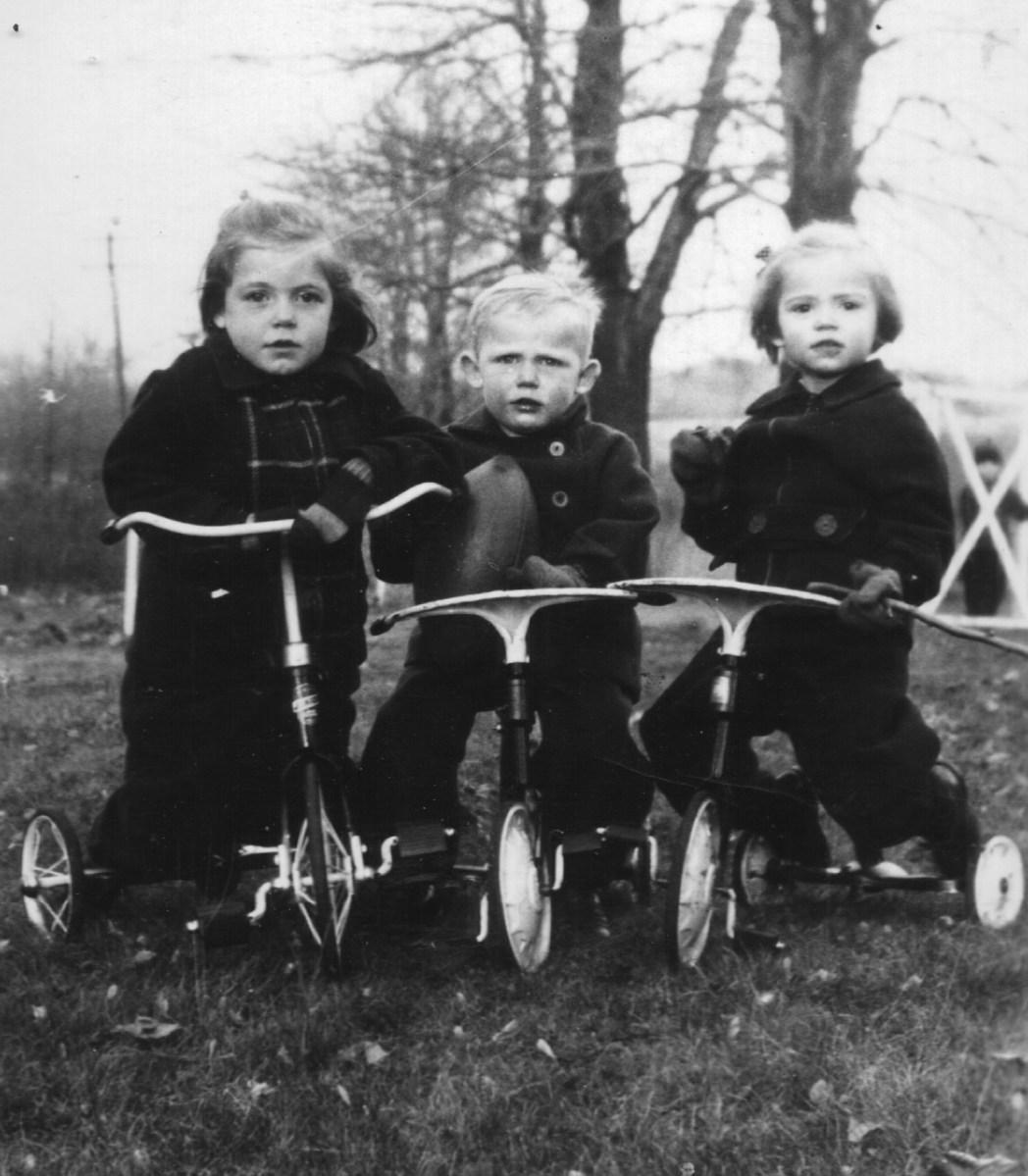 Nancy, George, and Sally around 1939