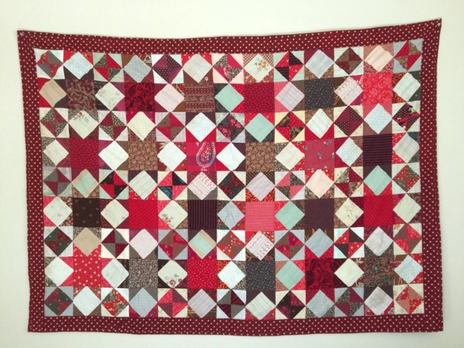 028 Red geometric stars